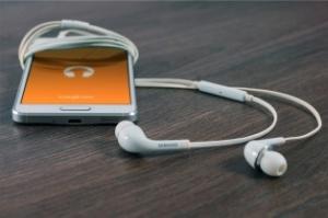 300-blog-music-marketing-brands-736363-edited.jpg