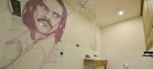 Nick Cave Bathroom - boogie woogie hotel
