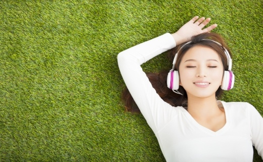 How industry players can collaborate to offer music streaming services