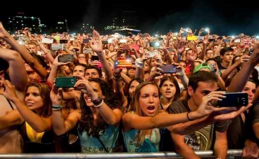 How technology amplifies music experiences in festivals